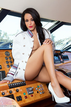 Layla Sin Boat Trip 09