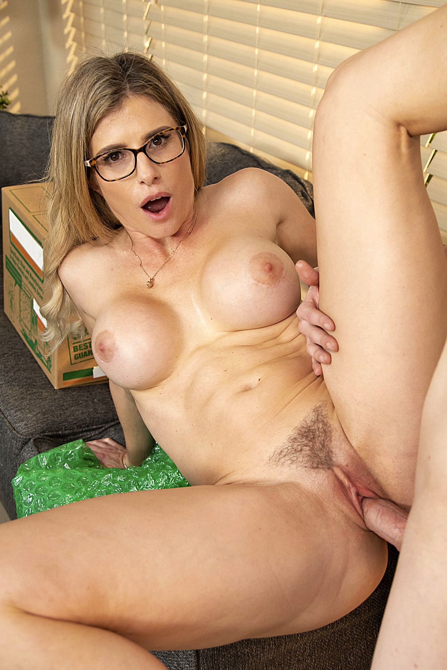 Moving Day MILF