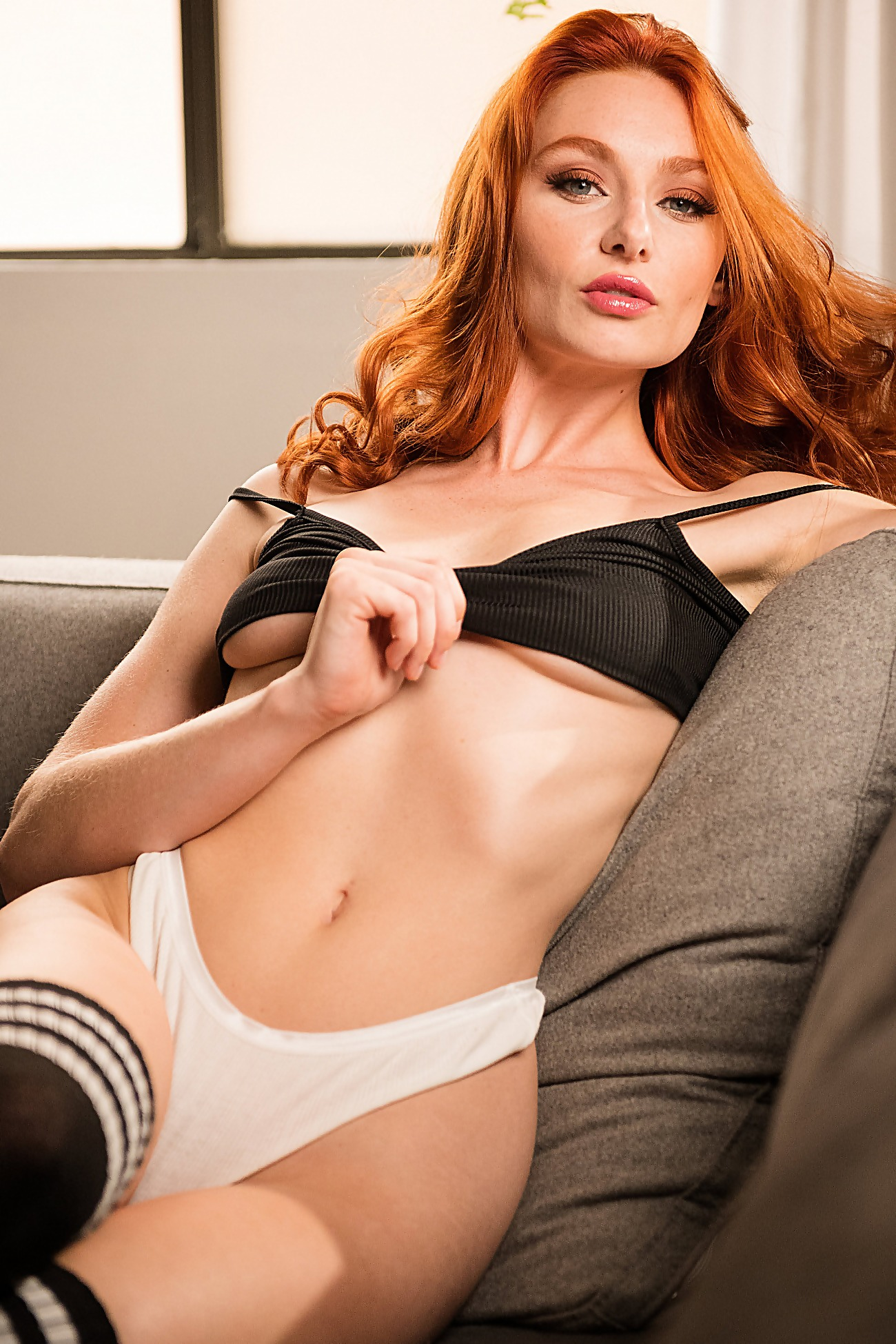 Lacy Lennon In Sexy Lingerie And Stockings